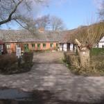 Hestebedgård en forårsdag