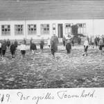 Bybjerg skolebillede 1919, der spilles tårnbold